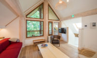 Koho Up Stairs Lounge Room | Lower Hirafu