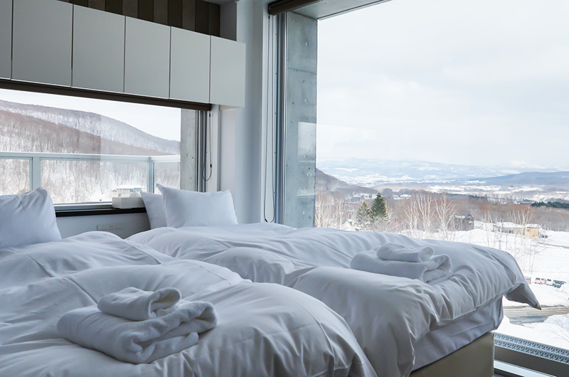 Kizuna Twin Bedroom with Mountain View | Upper Hirafu