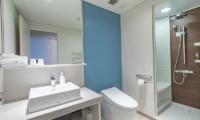 The Maples Niseko 28 Studio Room Resort Twin Bathroom | Upper Hirafu