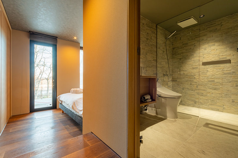 Hideaway on Escarpment Bedroom One and Ensuite | Lower Hirafu