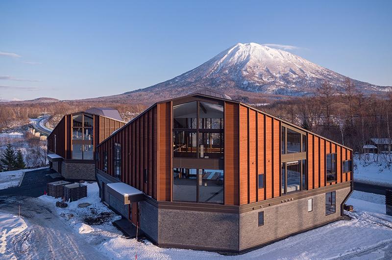 Panorama Niseko Exterior with Mountain View | East Hirafu