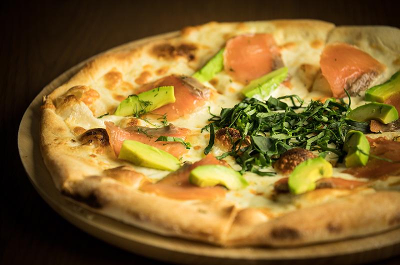 Wine & Dine Raphael Salmon Pizza | Moiwa