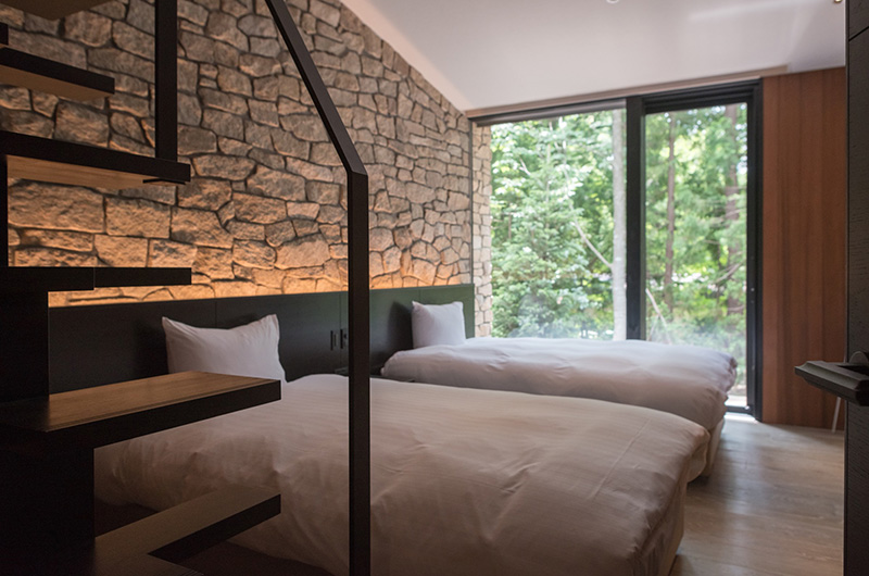 Villa El Cielo Bedroom with Twin Beds and View | Upper Wadano