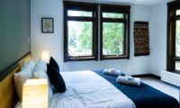 Ezorisu Bedroom with Window | East Hirafu