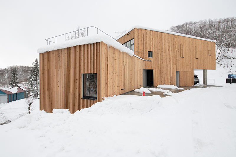 Puffin Exterior with Snow | Lower Hirafu