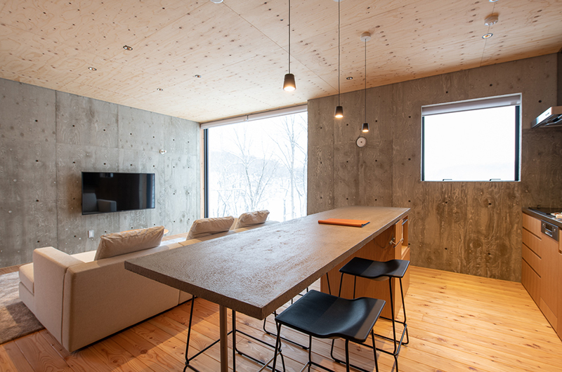 Puffin Living and Dining Area | Lower Hirafu