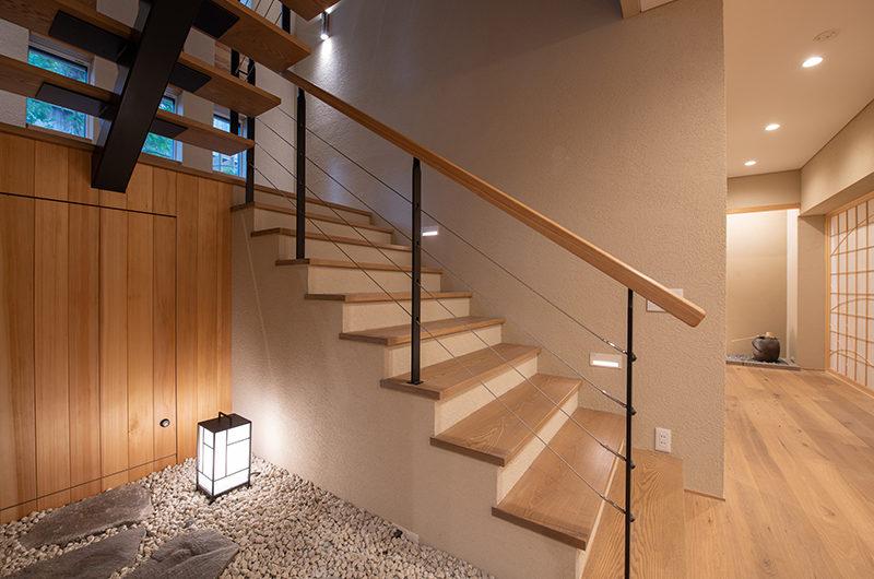 Soseki Up Stairs | Lower Hirafu