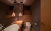 Soseki Bathroom with Mirror | Lower Hirafu