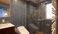 Kitsune House En-Suite Bathroom | Lower Hirafu