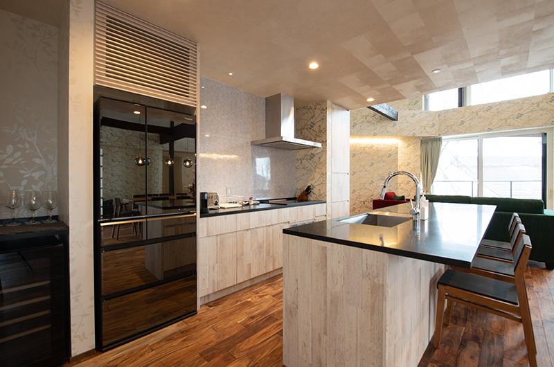 Kitsune House Kitchen Area with Wooden Floor | Lower Hirafu