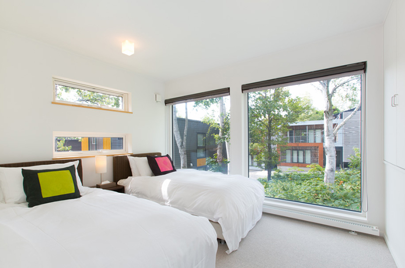 Ajisai Twin Bedroom with Outdoor View   Middle Hirafu
