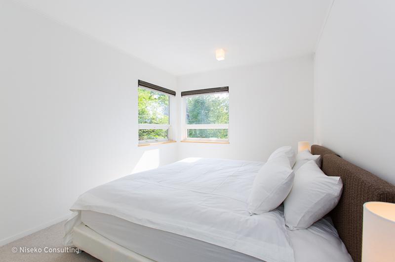 Ajisai Bedroom with Window   Middle Hirafu