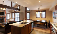 Ishi Couloir A Kitchen and Dining Area | East Hirafu