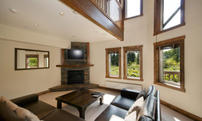Ishi Couloir B Living Area with TV | East Hirafu