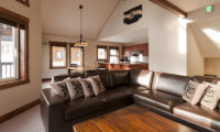 Ishi Couloir B Living Area | East Hirafu