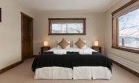 Ishi Couloir C Bedroom | East Hirafu