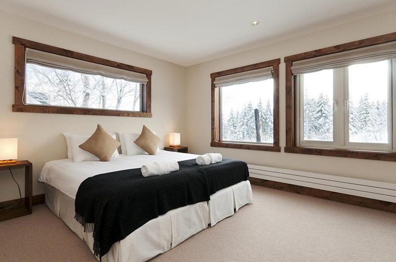 Ishi Couloir C Bedroom with Window | East Hirafu