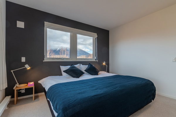 Komorebi Chalet Bedroom with Mountain View | East Hirafu