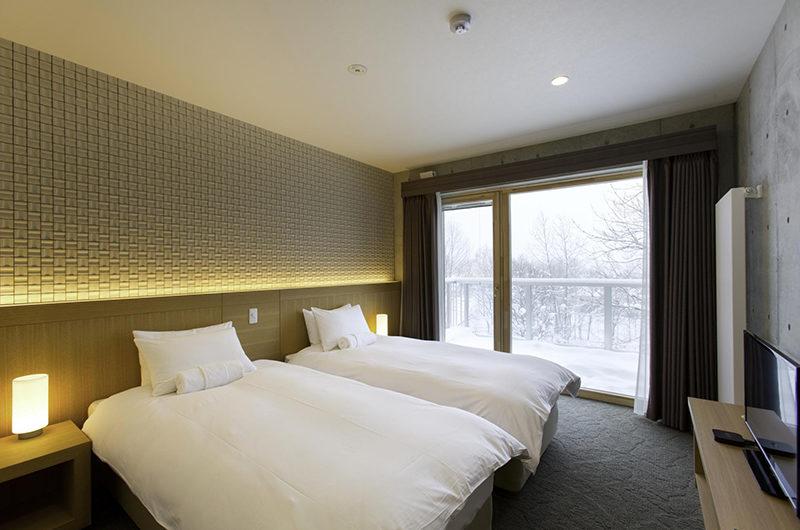 Mizunara Twin Bedroom and Balcony with View | Lower Hirafu