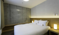 Mizunara Bedroom with Carpet | Lower Hirafu