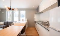 Roku Modular Kitchen | West Hirafu