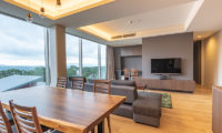 Suishou Living and Dining Area with TV and View | Upper Hirafu