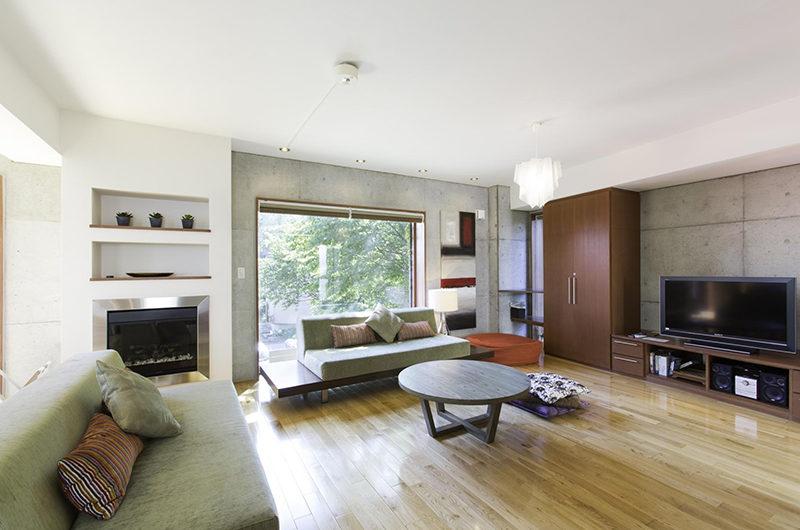 Yuuki Toride Living Area with TV | Lower Hirafu