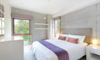 Yuuki Toride Bedroom with Carpet | Lower Hirafu