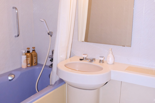 Hakuba Gateway Hotel Bathroom with Bathtub | Happo Village