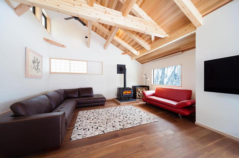 Asagiri Chalet Twin Lounge Area | Upper Wadano