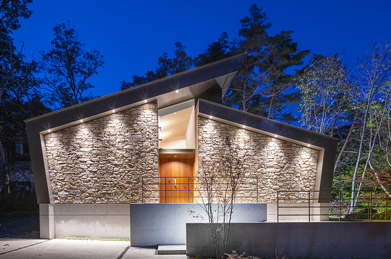 Sakka Rocks Chalet Outdoor Area at Night | Upper Wadano