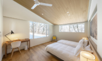 Sakka Rocks Chalet Twin Bedroom with Study Table | Upper Wadano