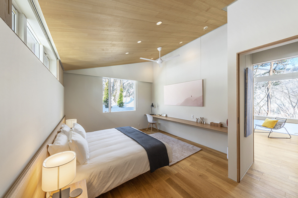 Sakka Rocks Chalet Bedroom with Study Table and Wooden Floor | Upper Wadano