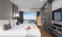Hinode Hills Twin Bedroom with TV   Niseko Village