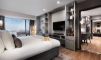 Hinode Hills Twin Bedroom with Wooden Floor   Niseko Village