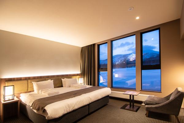 Panorama Niseko Bedroom with Window and View | East Hirafu