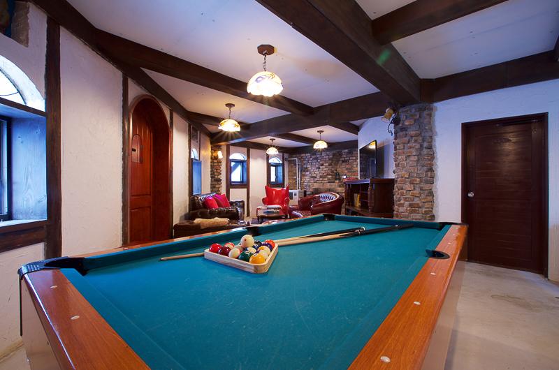 Chalet Hakuba Living Area with Billiard Table | Upper Wadano
