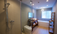 Chalet Hakuba Bathroom with Bathtub | Upper Wadano