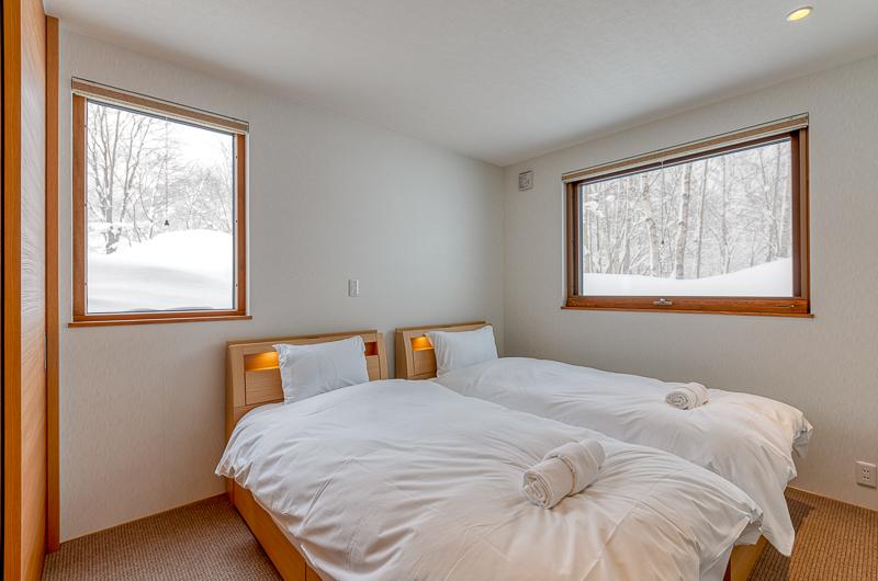Hokkaidaway Twin Bedroom   West Hirafu