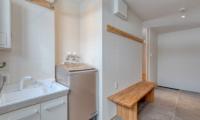 Hokkaidaway Laundry Room | West Hirafu