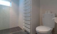 Snow Fox Bathroom with Shower | Lower Hirafu