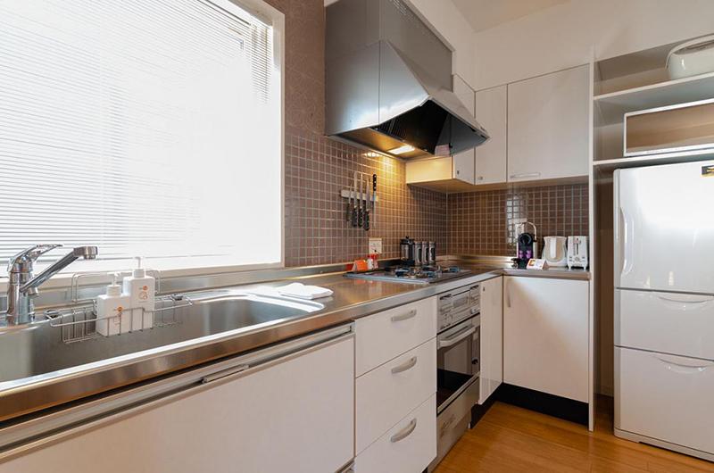 Snow Fox Kitchen with Fridge | Lower Hirafu