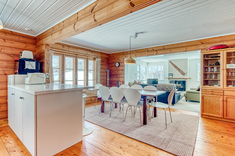 Tanoshii Chalet Living, Kitchen and Dining Area | East Hirafu
