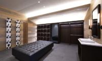 Tsudoi Drying Room with Seating Area | East Hirafu