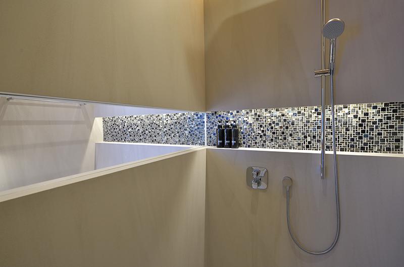 Tsudoi Bathroom with Shower | East Hirafu