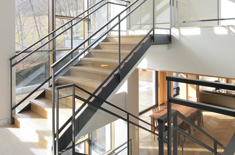Hachi Up Stairs | Upper Wadano