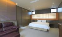 Hachi Bedroom with Sofa | Upper Wadano