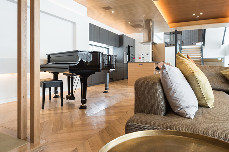 Hachi Lounge Area with Piano | Upper Wadano