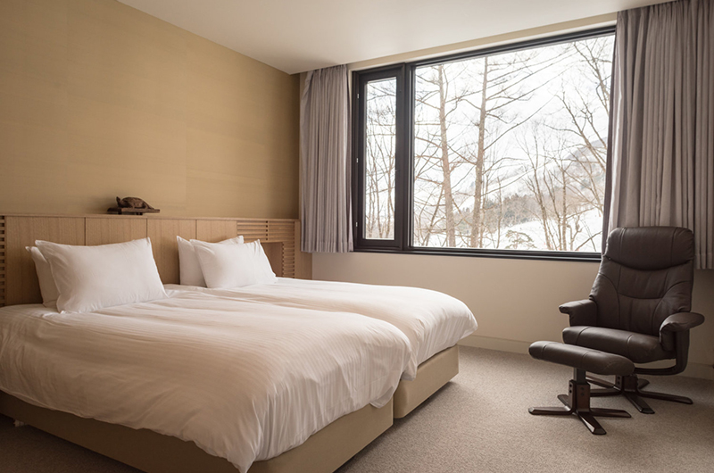 Hachi Bedroom with Twin Beds and View | Upper Wadano