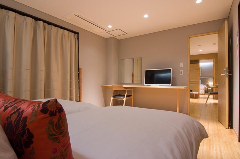 Koharu Resort Hotel & Suites Twin Bedroom with TV | Upper Wadano